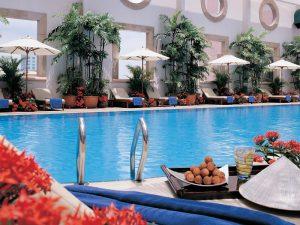 Hồ bơi khách sạn SHERATON