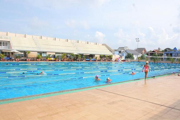 Trung Tâm Dạy Bơi Người Lớn