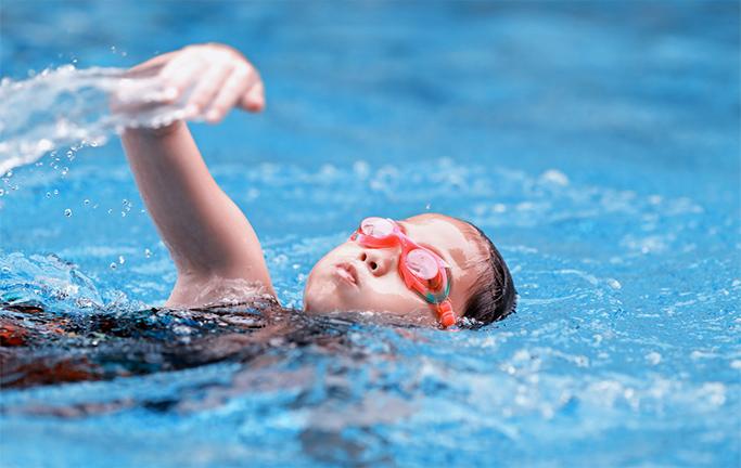 6 lợi ích của bơi lội đối với trẻ - bạn đã biết chưa?!