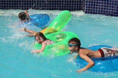 Những rủi ro trong bơi lội bạn cần biết