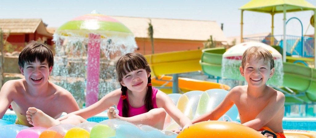 trẻ em bơi nhiều có bị viêm phổi